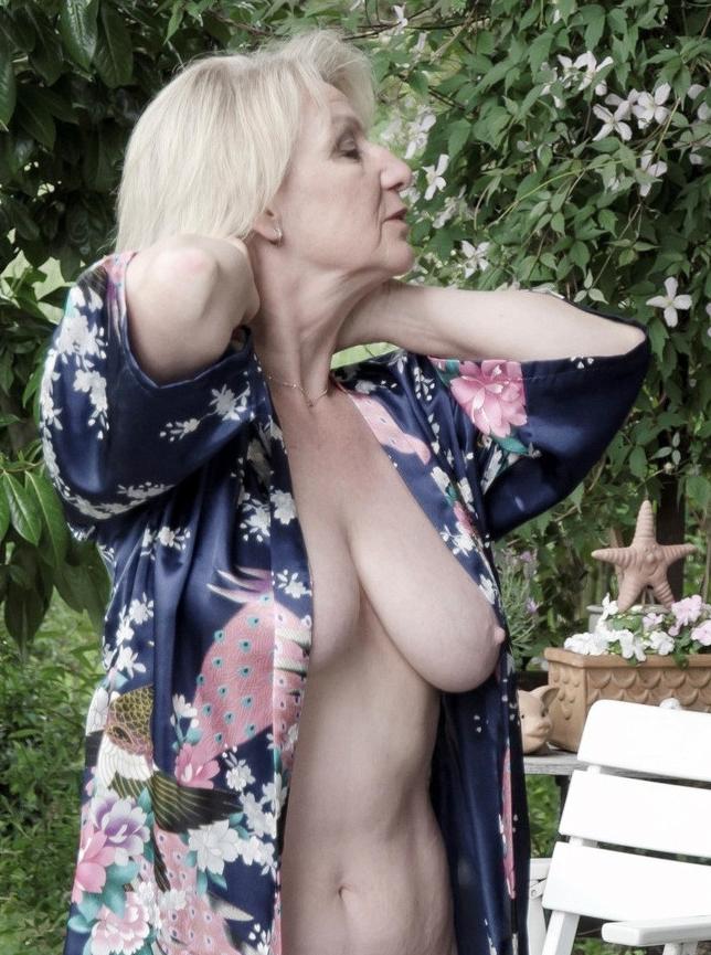 Women russian nude mature Russian: 27,786