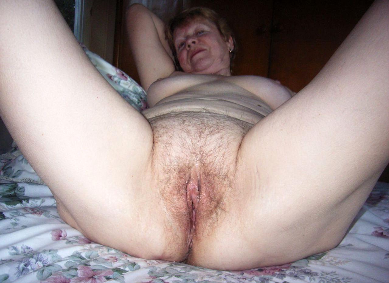 naked mature white women