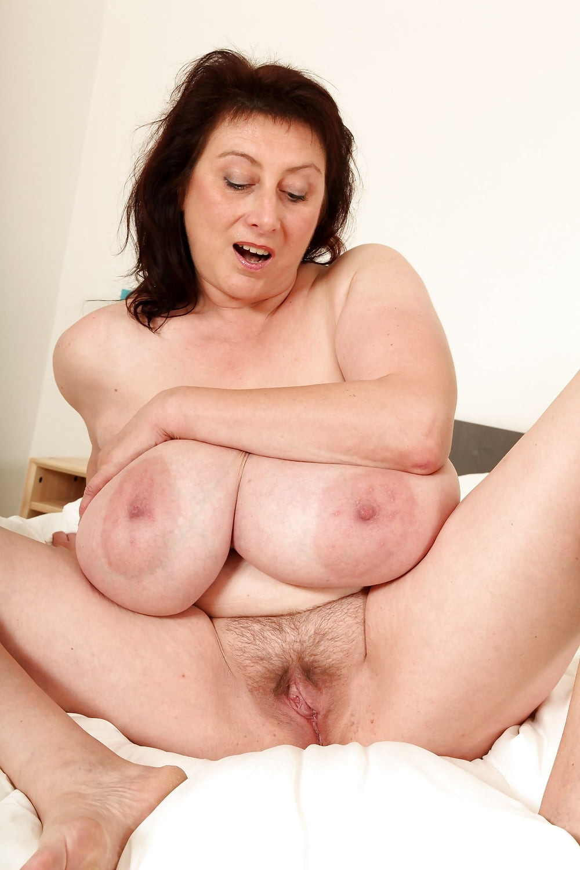 Hairy Big Tits Chubby Mature