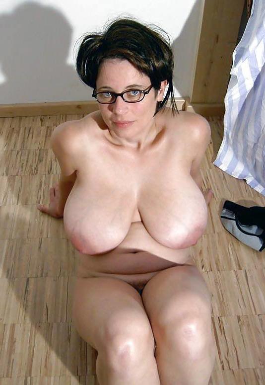 Natural big tits mature