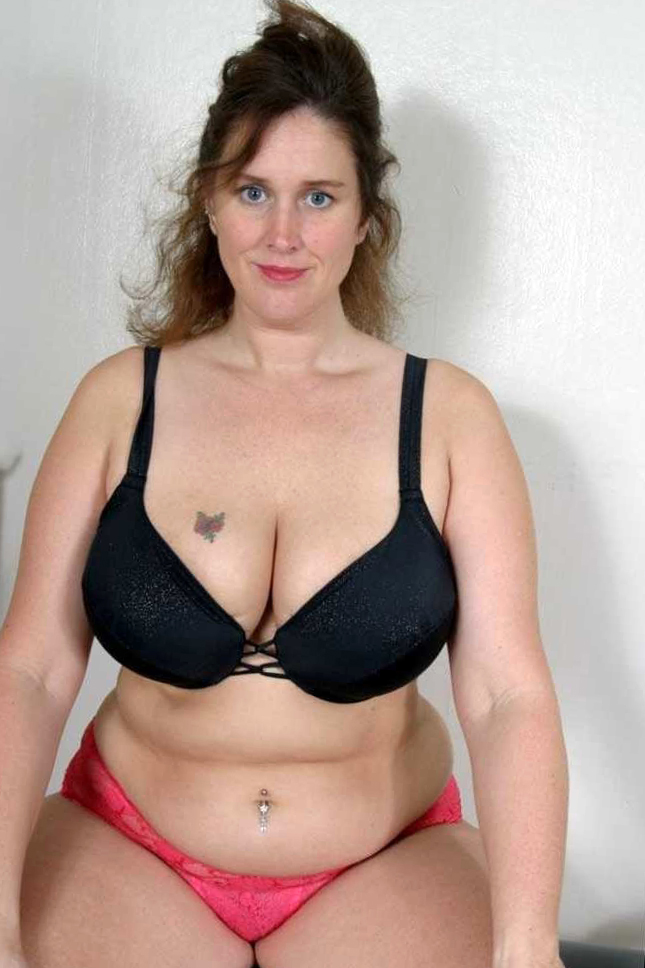 Chubby mature pussy