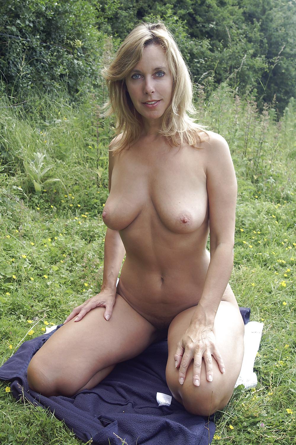 Milf free nude Amateur Milf