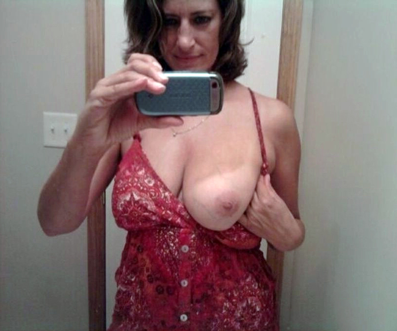 Hot old mom naked with big boobs