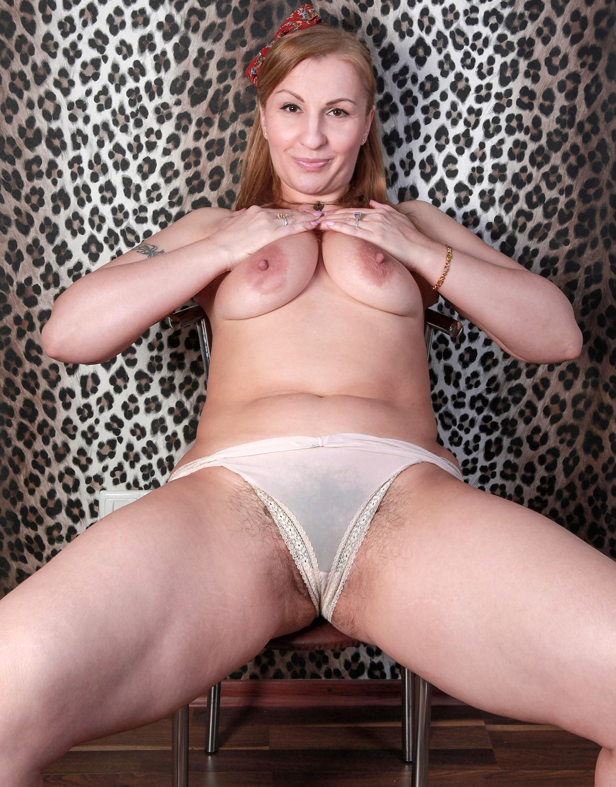 Live intense female orgasm