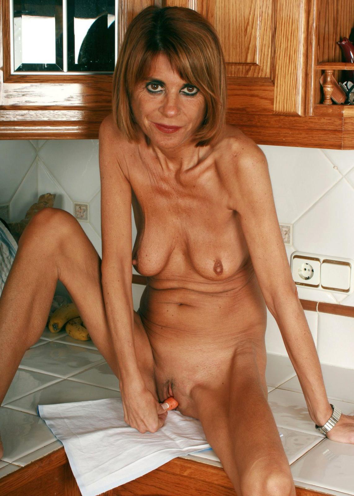 Amateur Mature Lesbian Wife
