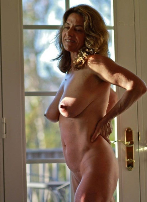 Naked amateur mature